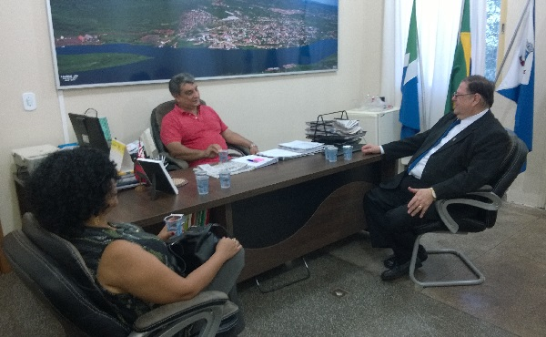 Diretor-presidente visita prefeito de Ladário